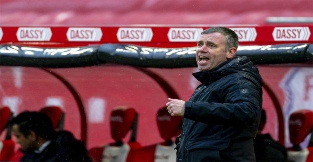 FC Utrecht geben wird, der Nachfolger von John van den Brom einen Vertrag für 1,5 Jahre