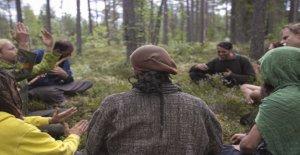 Die Regenbogen-community trifft sich für einen Monat in den Wald – ein Teilnehmer: ich bin ein hippie und stolz darauf